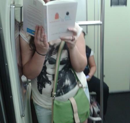 Livro: Eleanor e Park - Onde o leitor estava? Linha Azul do Metro sentido Jabaquara