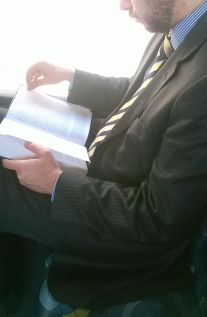 Leitor na linha 177Y- Pinheiros- SP Livro: Crimes Hediondos